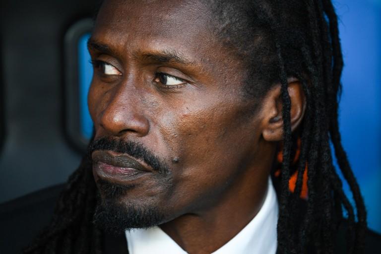 Aliou Cissé sur le banc de Sénégal après le but de la Colombie