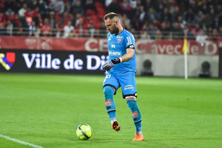 Baptiste Reynet est le nouveau gardien de but de Nîmes Olympique