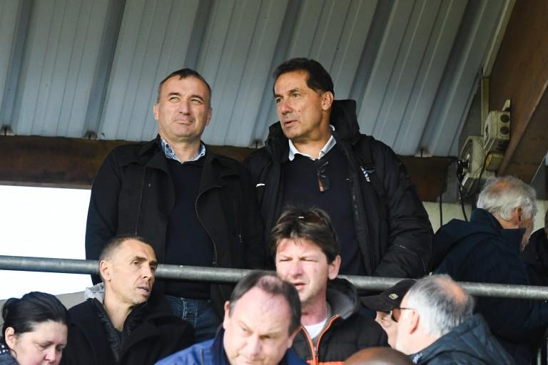 Bertrand Reuzeau (limogé de l'AS Monaco) et Henri Stambouli (debout en arrière)
