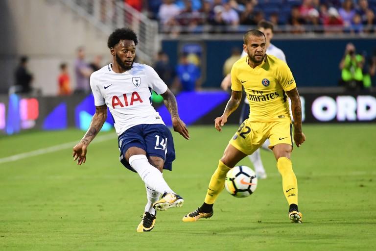 Georges-Kévin Nkoudou face à Dani Alves du PSG.