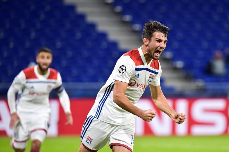 Léo Dubois, défaveur e l' OL sélectionné en équipe de France.