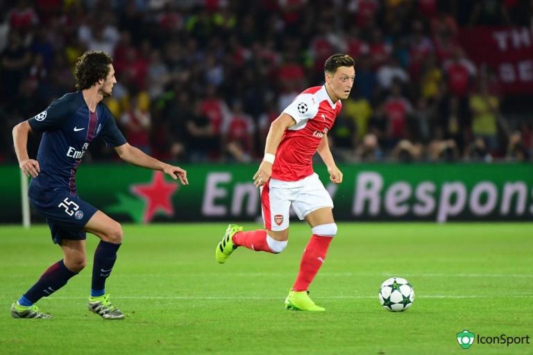 Mesut Ozil  pourrait quitter Arsenal.