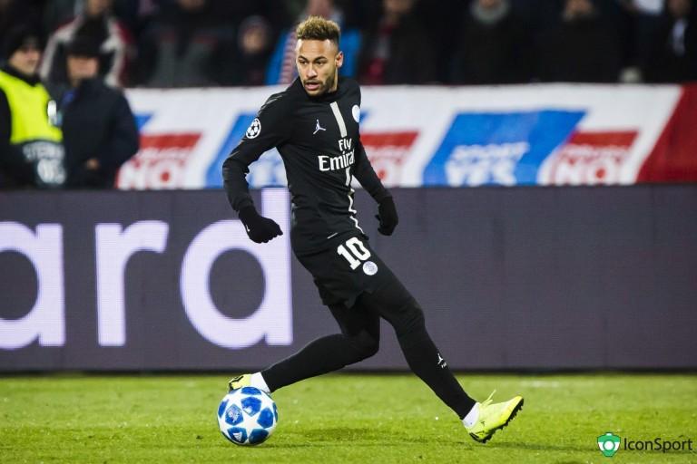 Président du PSG, Nasser Al-Khelaïfi craque et prêt à céder Neymar au Barça.