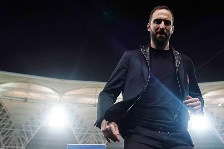 Gonzalo Higuain a rejoint Chelsea.