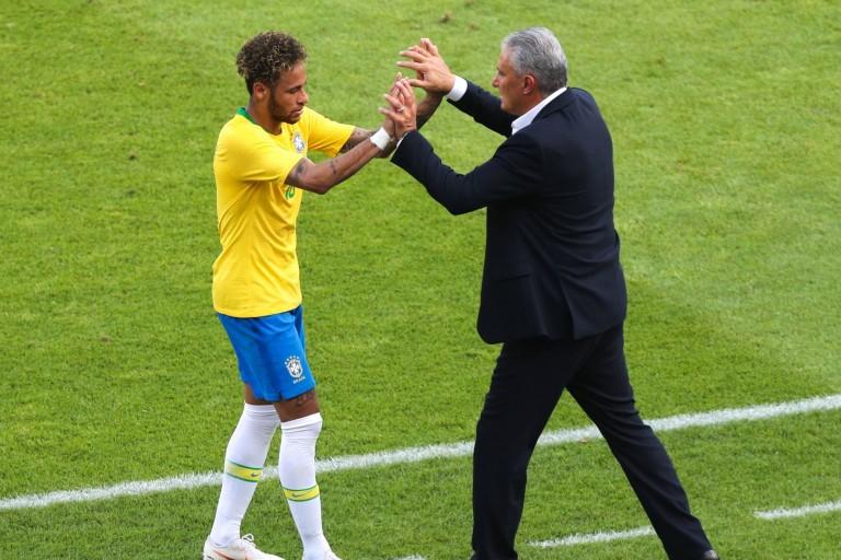 Tite, le sélectionneur du Brésil, va se rendre à Paris pour voir Neymar.