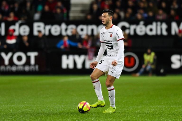 Ramy Bensebaini est susceptible de quitter Rennes.