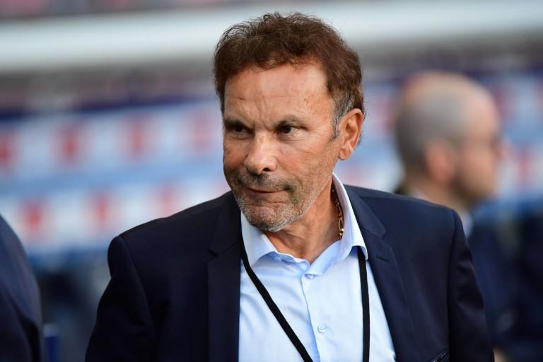 Roland Romeyer confirme que Dominique Rocheteau lui a annoncé son départ de l' ASSE.