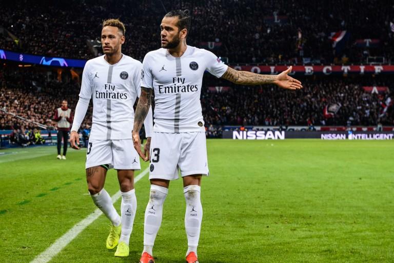 Neymar et Dani Alves sous les couleurs du PSG.
