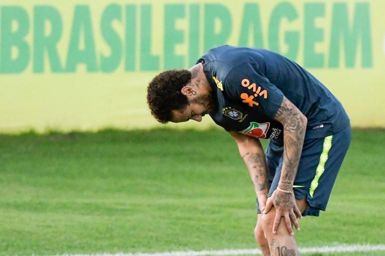 Neymar s'est blessé en match amical avec le Brésil.