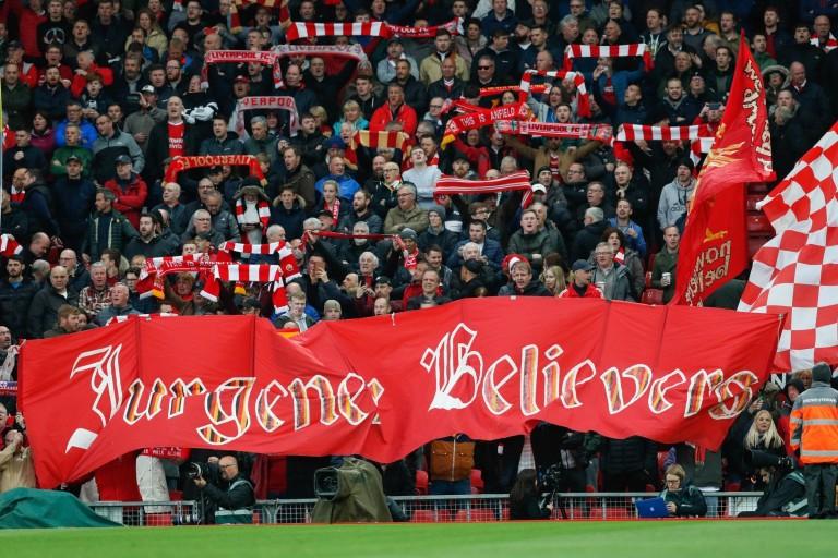 Des supporters de Liverpool sèment le désordre dans les rues de Barcelone