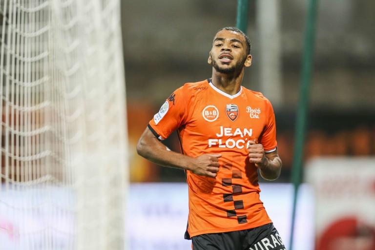 Visé par l' OM, Claude-Maurice, joueur du FC Lorient, aurait trouvé un accord avec le Borussia Mönchengladbach