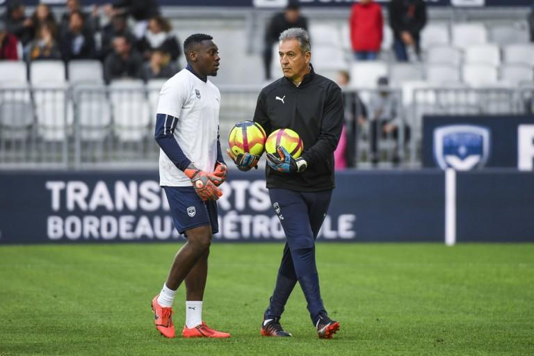 Over Mandanda prolonge avec Bordeaux.