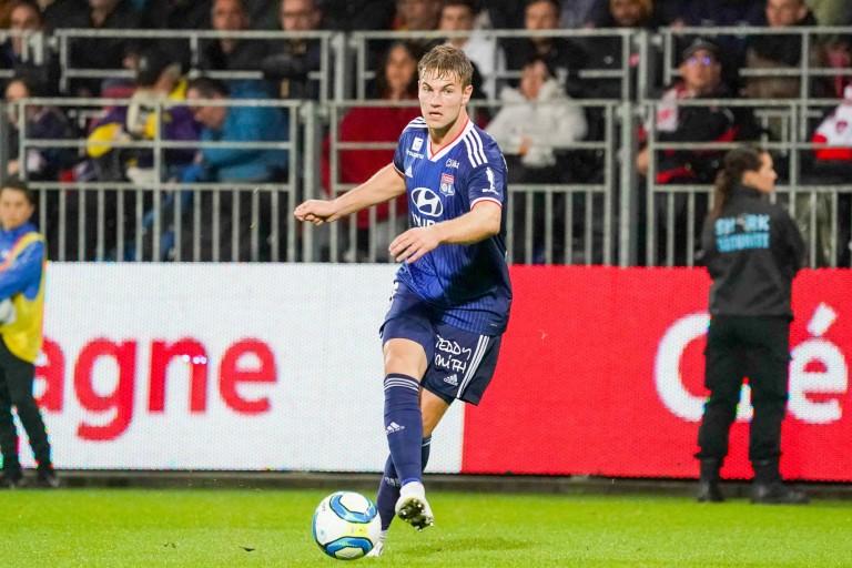 Joachim Andersen, défenseur central de l' OL.