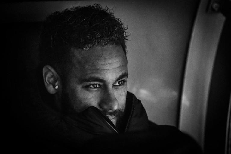 Attaquant du PSG, Neymar annoncé vers un retour au Barça.