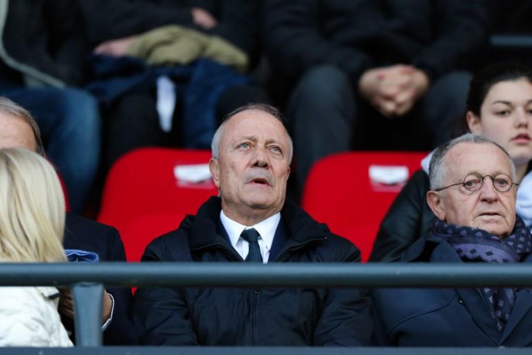 Bernard Lacombe quitte Jean-Michel Aulas et la direction de l' OL.