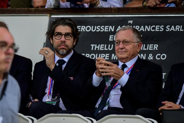 Juninho et Jean-Michel Aulas, président de l' OL.