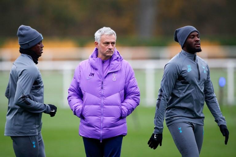 Ex-joueur de l'OL Tanguy Ndombele et José Mourinho