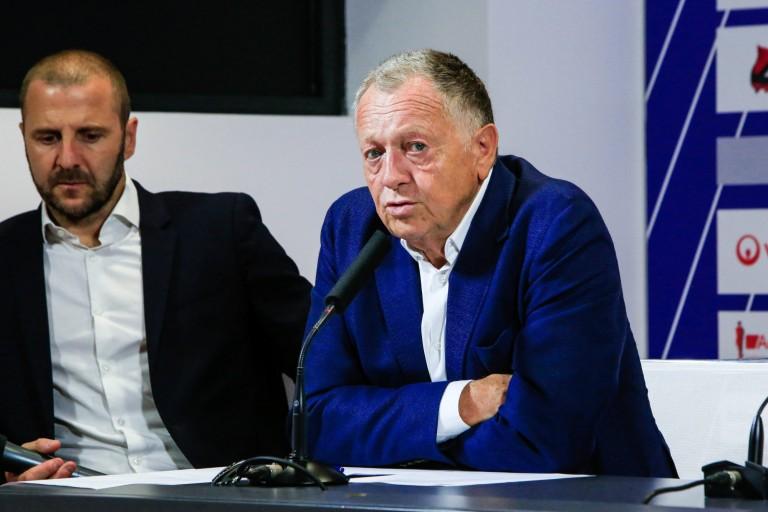 Florian Maurice et Jean-Michel Aulas lors d'une conférence de presse.