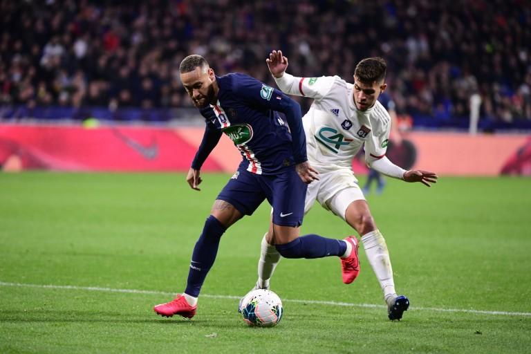 Le PSG bat l'OL en finale de la Coupe de la Ligue