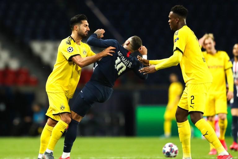Neymar poussé par Emre Can de Dortmund