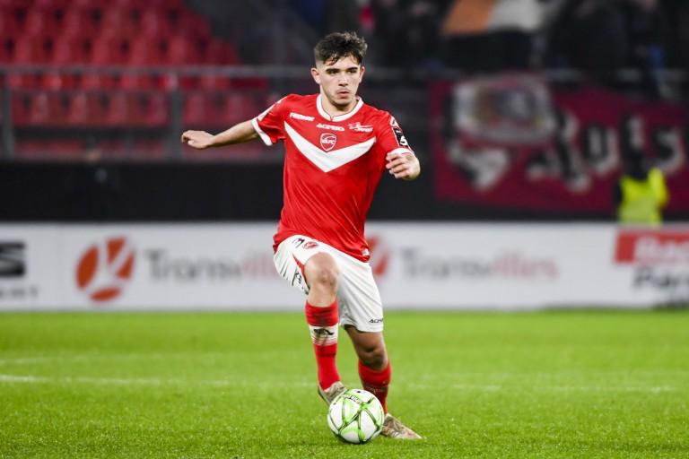 Noah Diliberto vient de signer son premier contrat pro avec Valenciennes, son club formateur