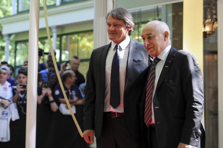 Philippe Piat (à droite) donne son avis sur la reprise de la Ligue 1 réclamé par Aulas