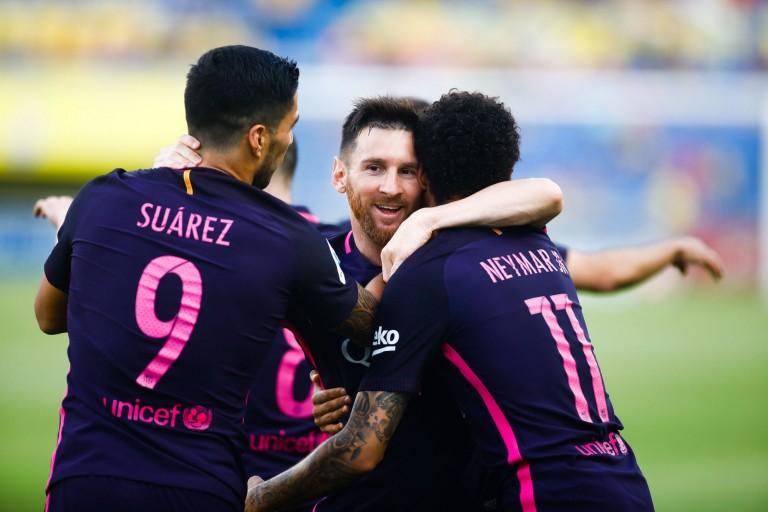 Neymar a fini 3e au Ballon d'Or 2017 derrière Lionel Messi, 2e.