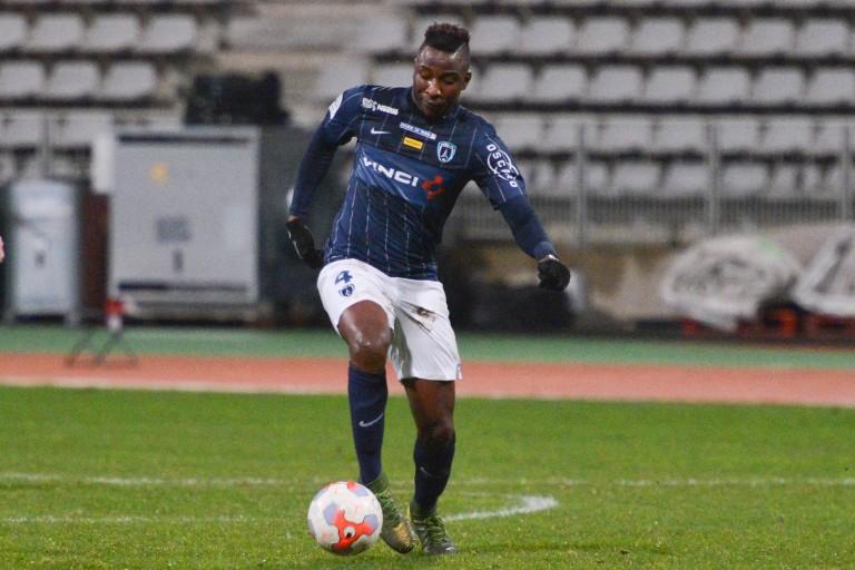 Ismaël Keita, avec le maillot du Paris FC, rejoint l'US Orléans