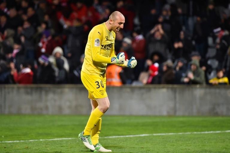 Paul Bernardoni sort les raisons de son transfert à Bordeaux