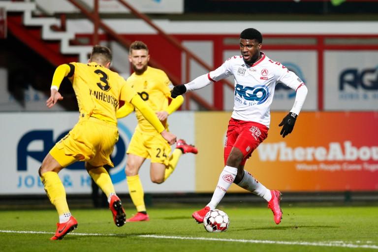 Terem Moffi signe au FC Lorient