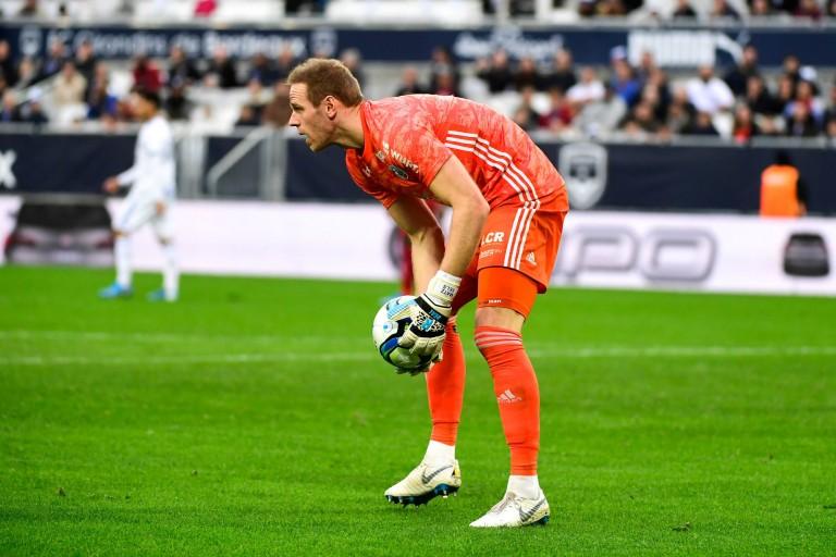 Blessé au talon d'Achille, Matz Sels manquera la reprise la Ligue 1