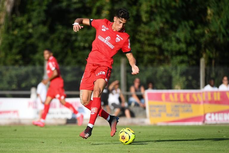 Le Dijon FCO réclame 8M€ pour Nayef Aguerd alors que le Stade Rennais veut payer 4M€