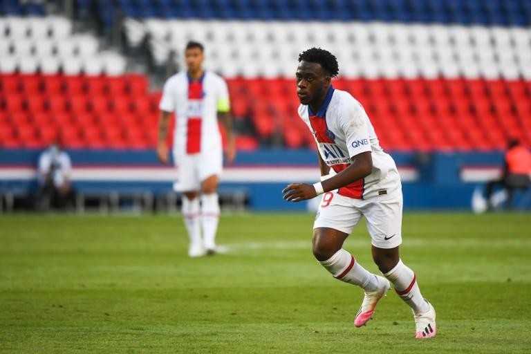 Arnaud Kalimuendo pourrait quitter le PSG