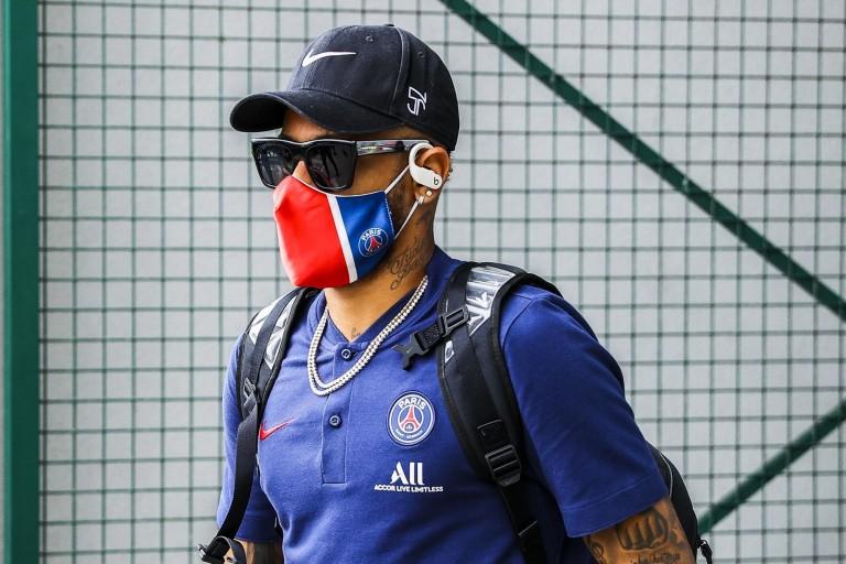 PSG-OM : Neymar calme le jeu avec Alvaro Gonzalez