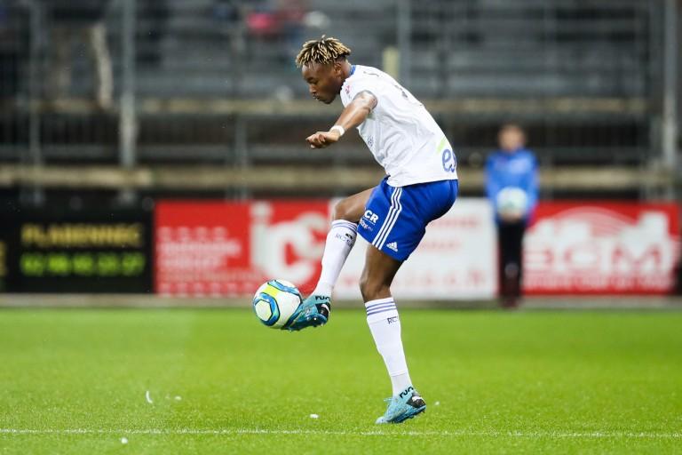 RC Strasbourg : le Stade Rennais FC prépare une offre pour Mohamed Simakan