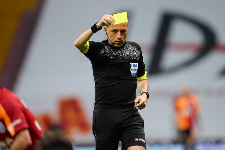 Les supporters du Stade Rennais s'inquiète du choix de l'arbitre pour le match contre le Séville FC.