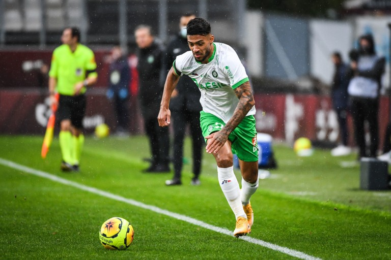 Denis Bouanga critiqué après FC Metz - ASSE