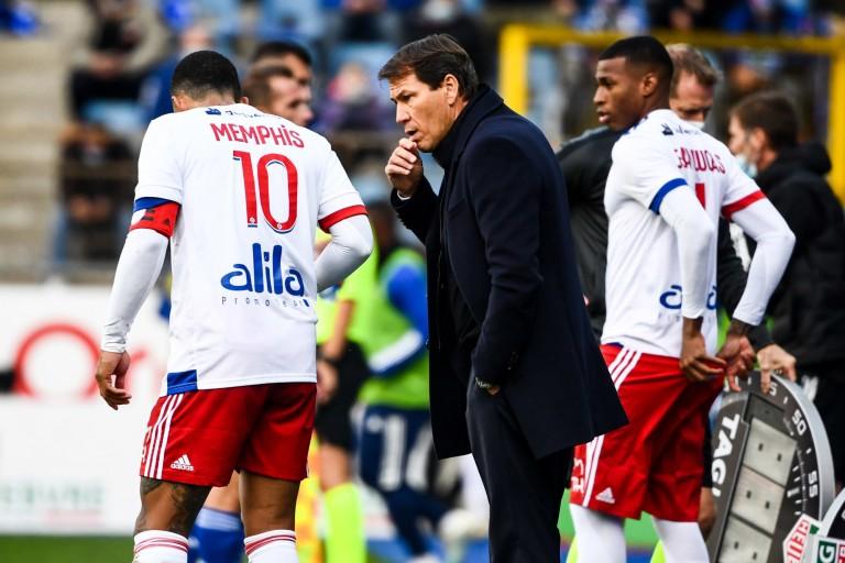 OL : Memphis Depay toujours dans le viseur du Barça