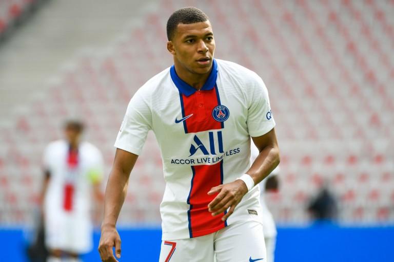 L'attaquant du PSG Kylian Mbappé sera très convoité lors du prochain mercato.
