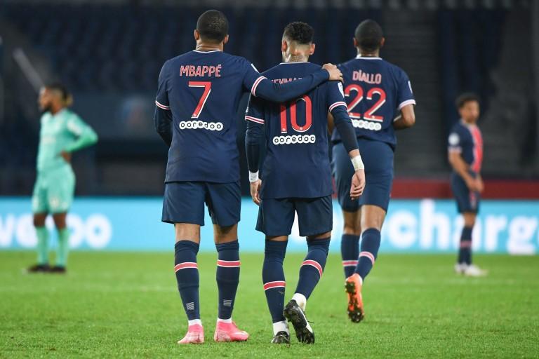Neymar et Mbappé ont fait l'unanimité contre eux après la défaite du PSG contre Manchester United.