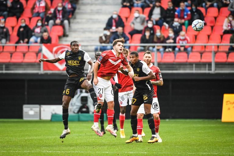 Le match de Ligue 2 entre Valenciennes et Sochaux a été émaillé d'un incident entre deux joueurs.