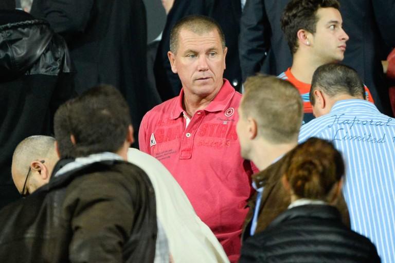 L'ex-gardien Pascal Olmeta mécontent de la longue absence de l' OM en Ligue des champions.