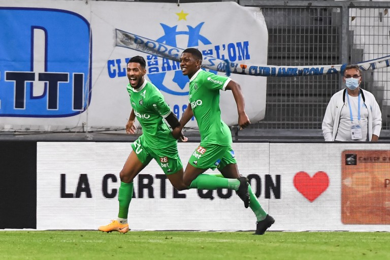 ASSE : Denis Bouanga soutenu par Zaydou Youssouf