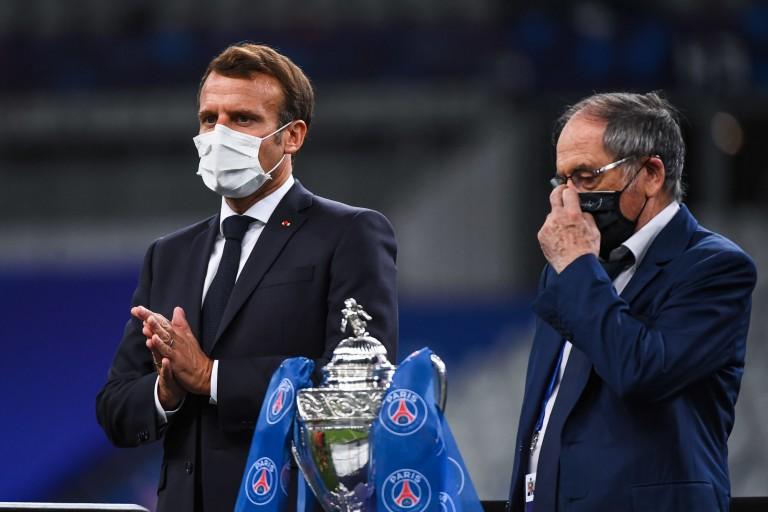 Emmanuel Macron a annoncé une mauvaise nouvelle pour les supporters et la Ligue 1.