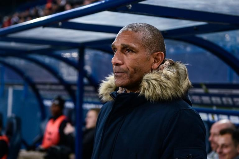 Dijon FCO : Franck Passi n'a pas été nommé sur le banc à cause de Laurent Blanc