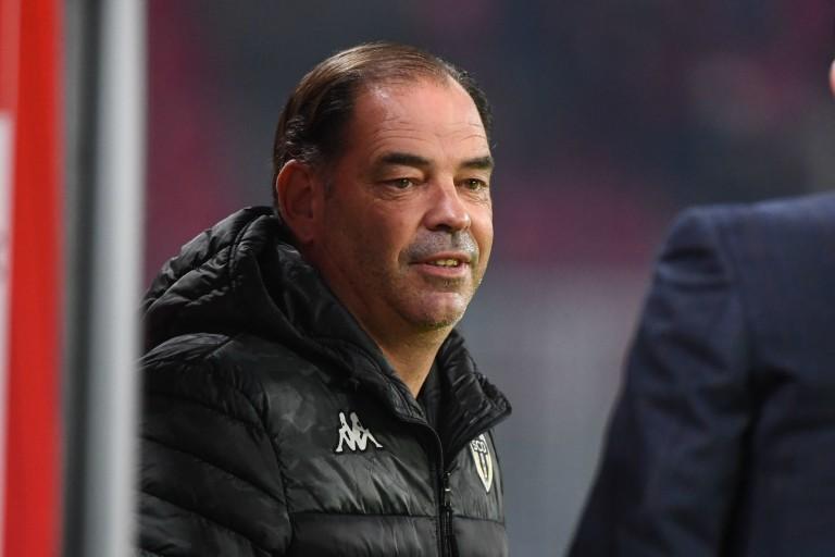 Stéphane Moulin , entraineur d'Angers SCO.