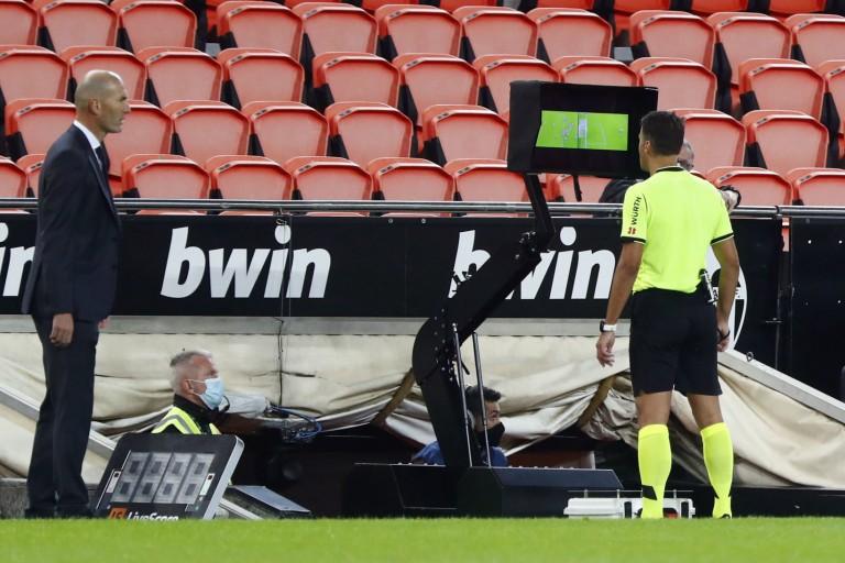Real Madrid : Zinedine Zidane ne pourrait pas remporter la Ligue des champions cette saison.