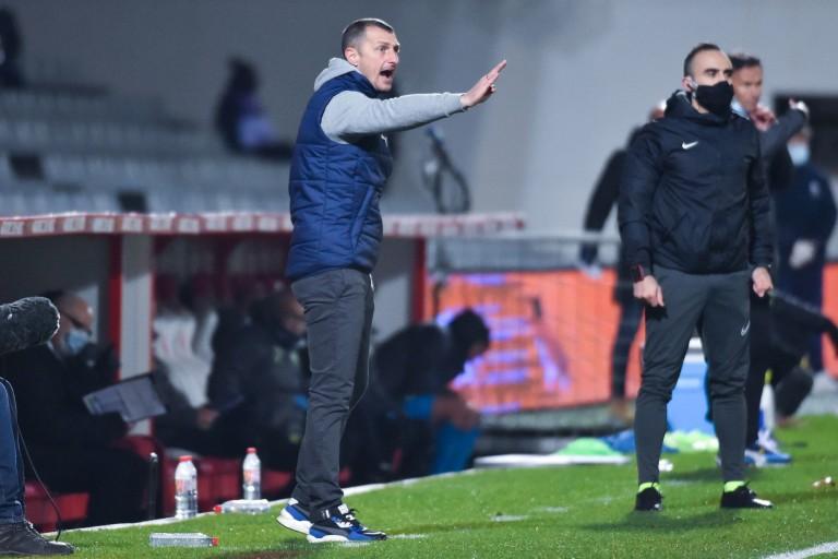 Nîmes Olympique : Jérôme Arpinon tacle l'arbitrage et la prestation de ses latéraux face à l'OM