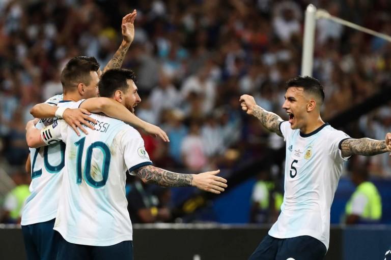 Paredes pour le transfert de Messi au PSG