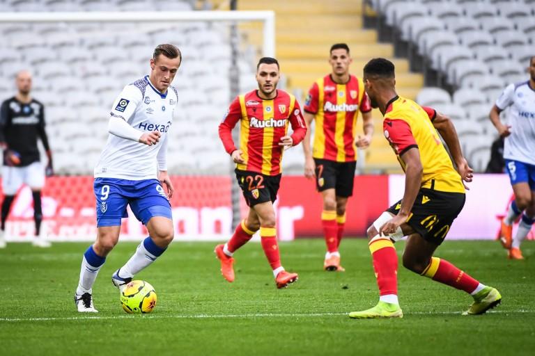 RC Lens sur la piste d'Ilan Kebbal du Stade de Reims.
